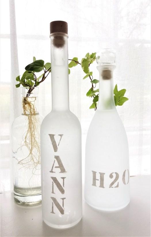 vannkarafler av flasker