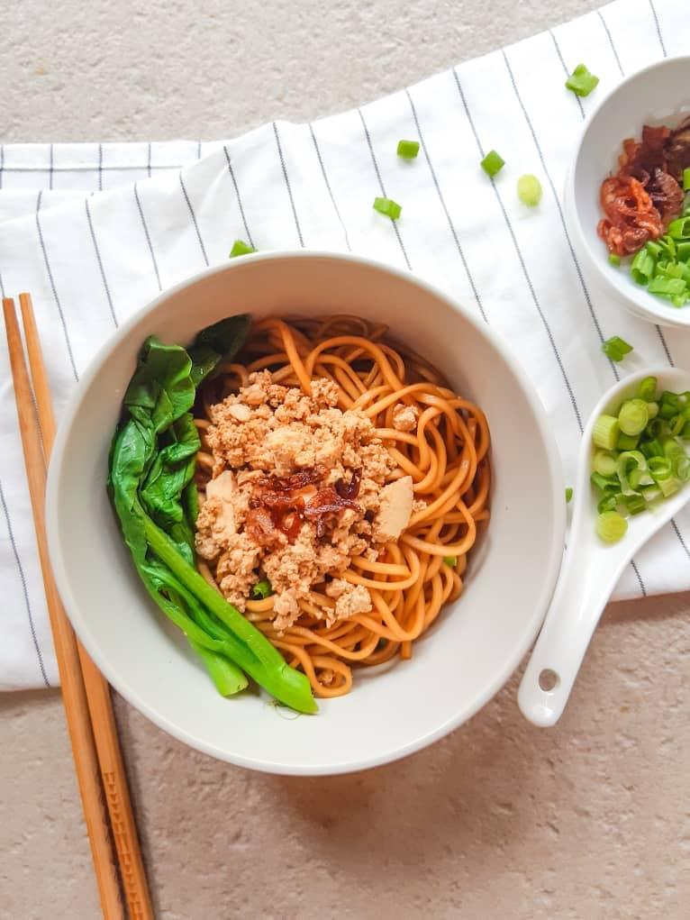Vegan wonton noodles in bowl