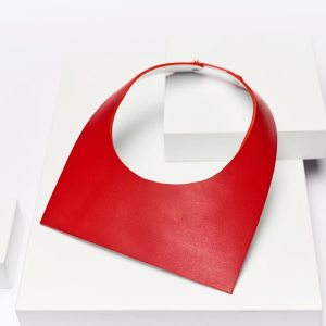 SQUARE NECKLACE Red