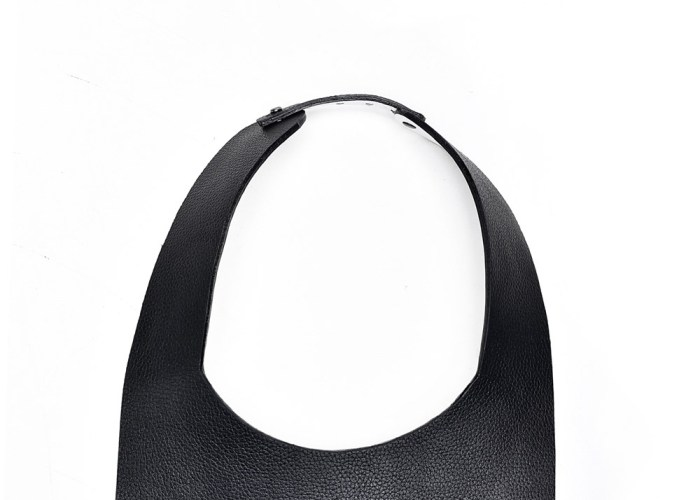 SQUARE NECKLACE Black