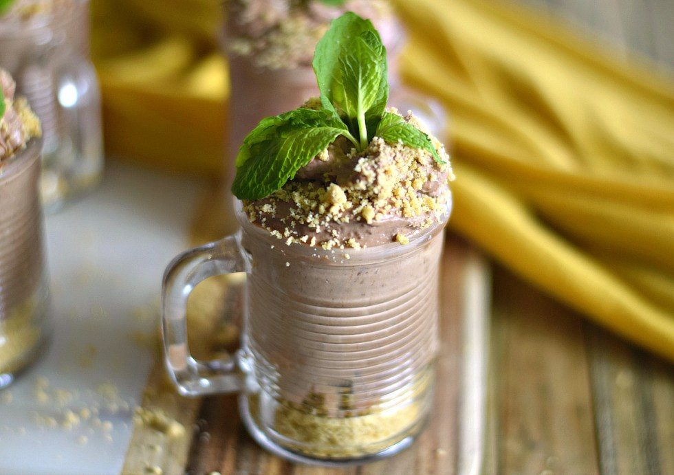 Chocolate Peanut Butter Pie Shooters