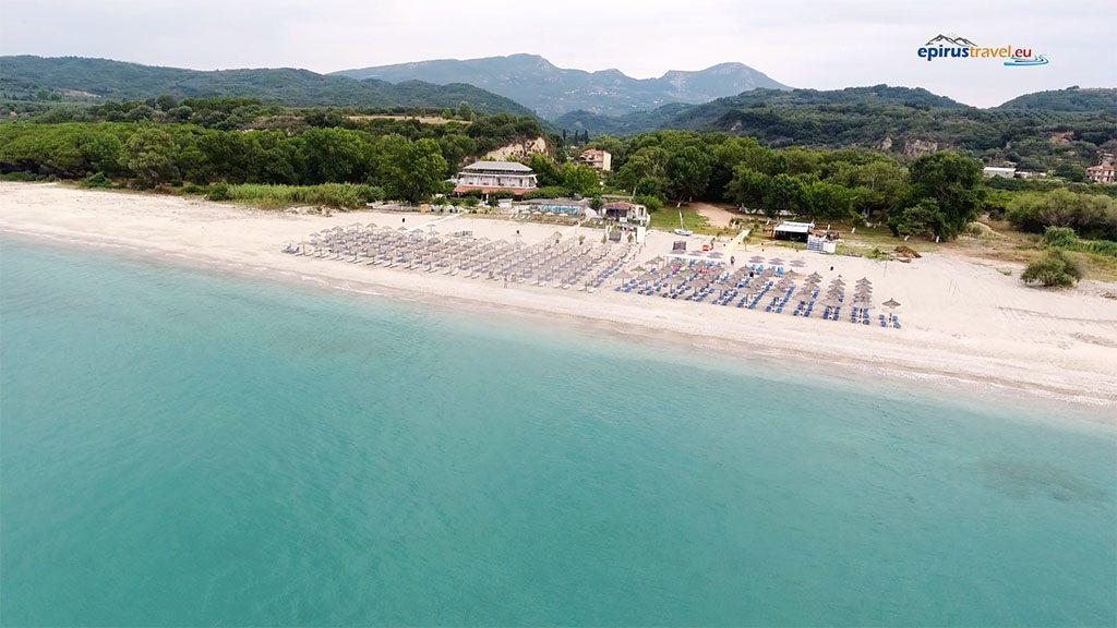 Πρέβεζα: Η παραλία τoυ νομού Πρεβέζης όπου εκβάλει ο Αρέθων ποταμός (BINTEO)