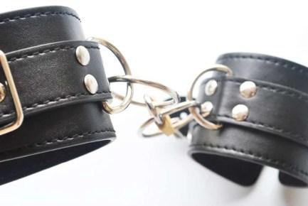 Leather Look Handcuffs w/lock & key