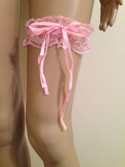 Long ribbon garters pink