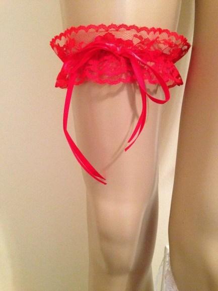 Long ribbon garters red