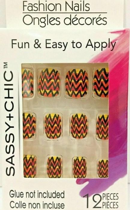 Sassy + Chic Fashion Nails-12 pieces
