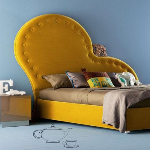de lit parees de jaune