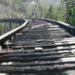 Trestle 6, Charred Timbers to be replaced. File: T6_20070727_1220.