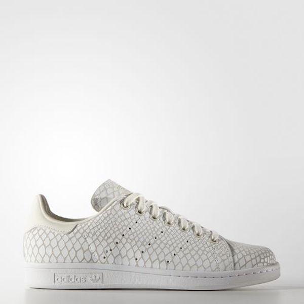 *sneaker8564de32a8e4a4e895ba61ff3a06449e