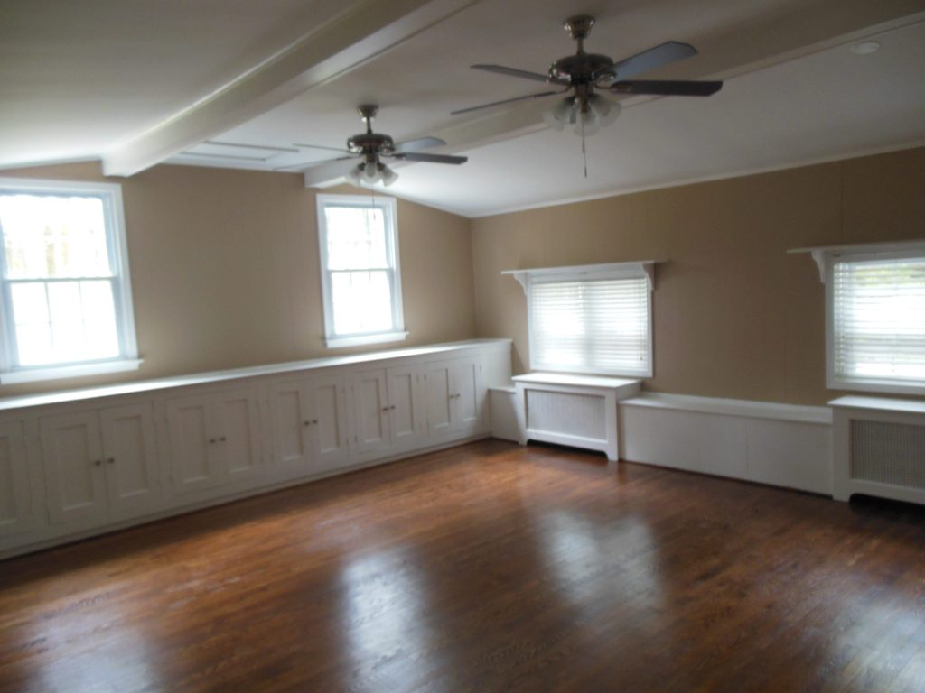 Family Room in Rent-to-own Home at 11101 Glen Arm Road, Glen Arm, MD 21057