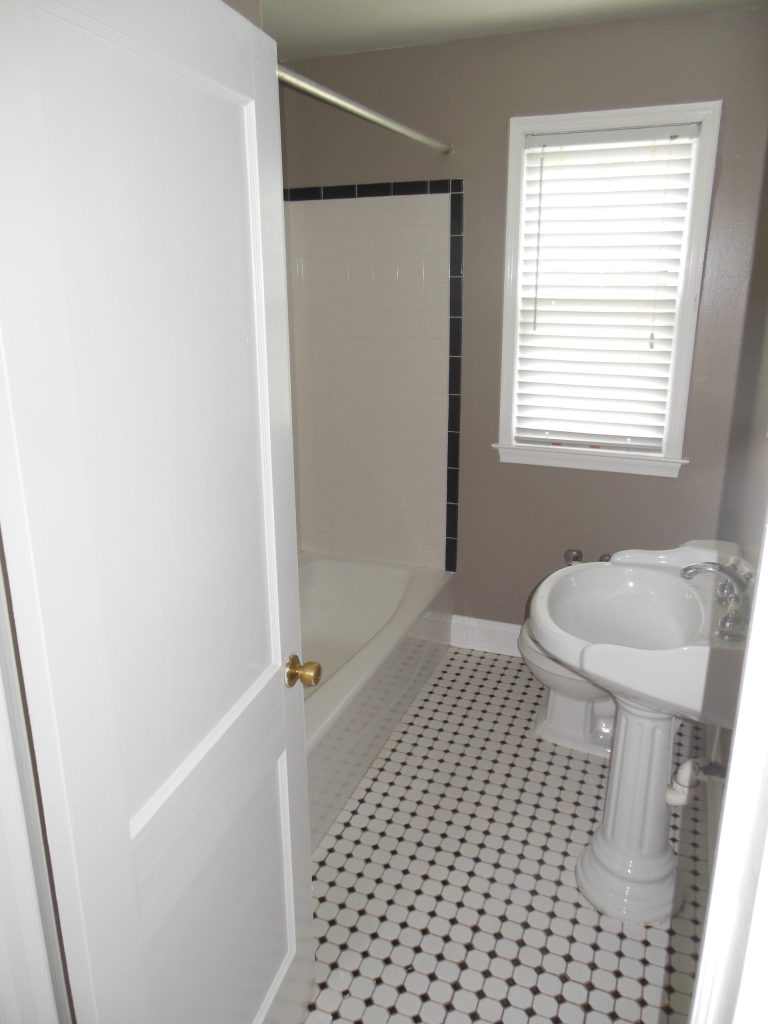 Hall Bathroom in Rent-to-Own Home at 11101 Glen Arm Road, Glen Arm, MD 21057