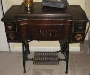 antique White sewing machine