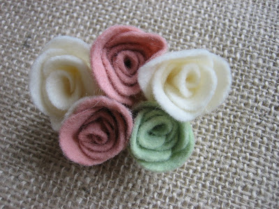 how to make felt rosettes