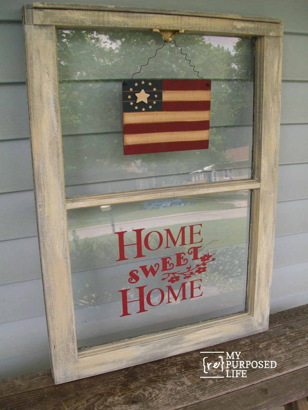 This easy repurposed window project can be done in an afternoon with these easy directions and tips. This is perfect for the 4th of July or Flag Day #MyRepurposedLife #repurposed #reclaimed #window #4thofJuly #flagday via @repurposedlife