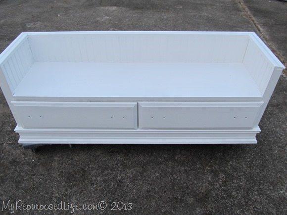 repurposed-dresser-kids-bench