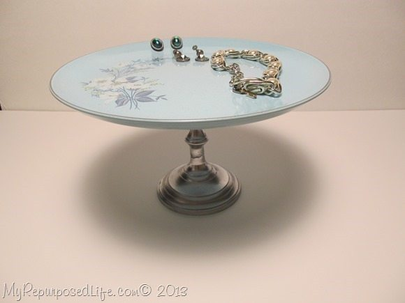 vintage plate as a jewelry stand