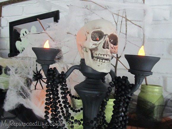 creepy-skull-lamp-halloween