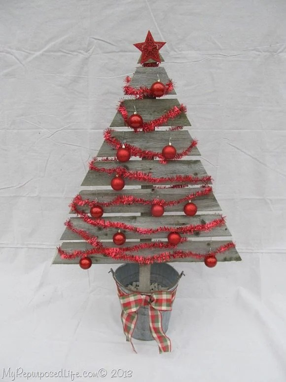 decorated-rustic-Christmas-tree
