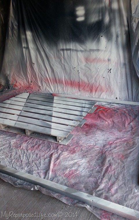 pallet-scrap-wood-secure-plastic