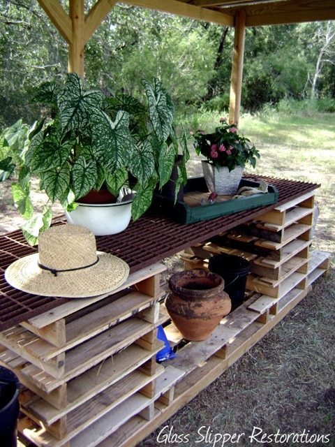 potting-table-made-from-pallets