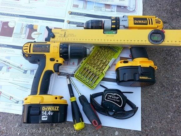 tools-replace-storm-door