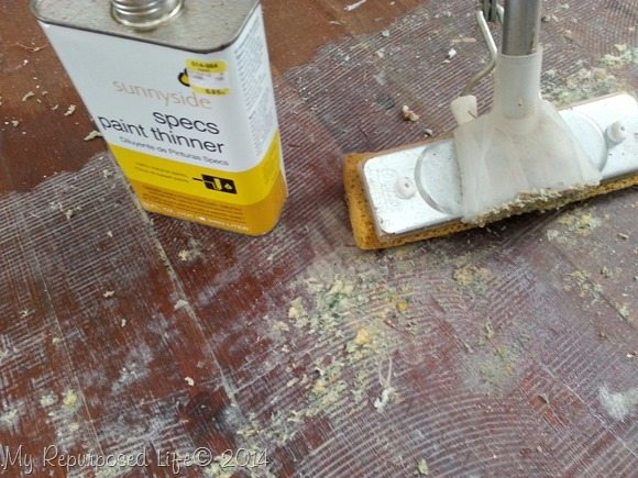paint-thinner-looses-adhesive