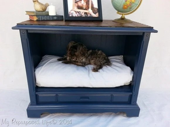 repurposed-tv-dog-bed