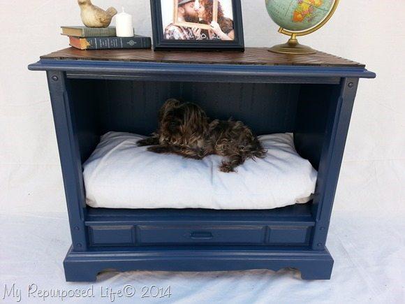 repurposed-tv-dog-bed