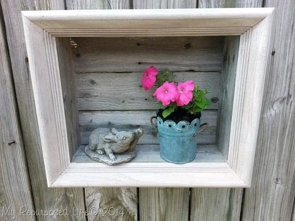 outdoor-rustic-shadow-box