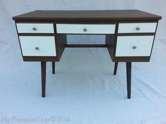 wood-white-vintage-desk