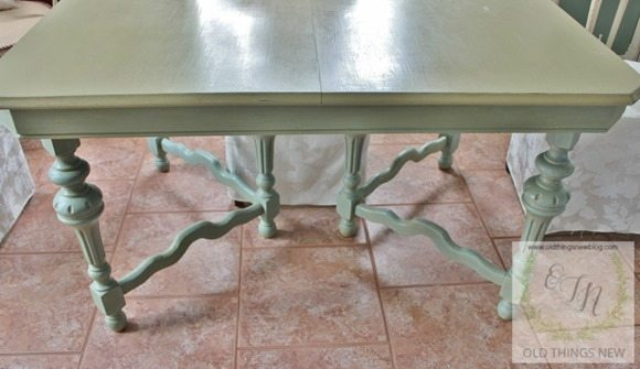 green-Vintage-Kitchen-Table