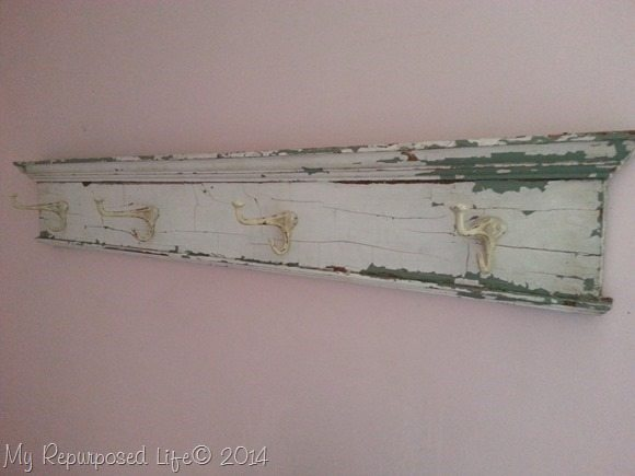 chippy-coat-hook-rack