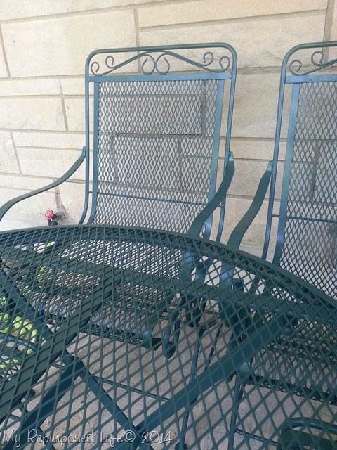metal-patio-set-makeover-krylon