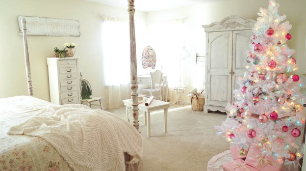 White-Lace-Cottage-Christmas-shabby-chic-ruffled-tree-skirt