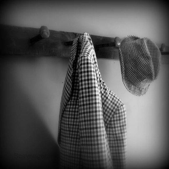 railroad-tie-hat-rack