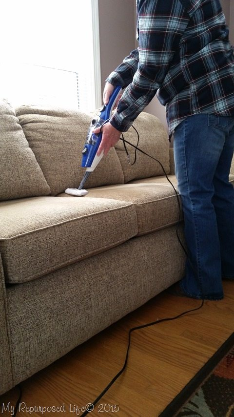 steammachine-plus-cleans-upholstery