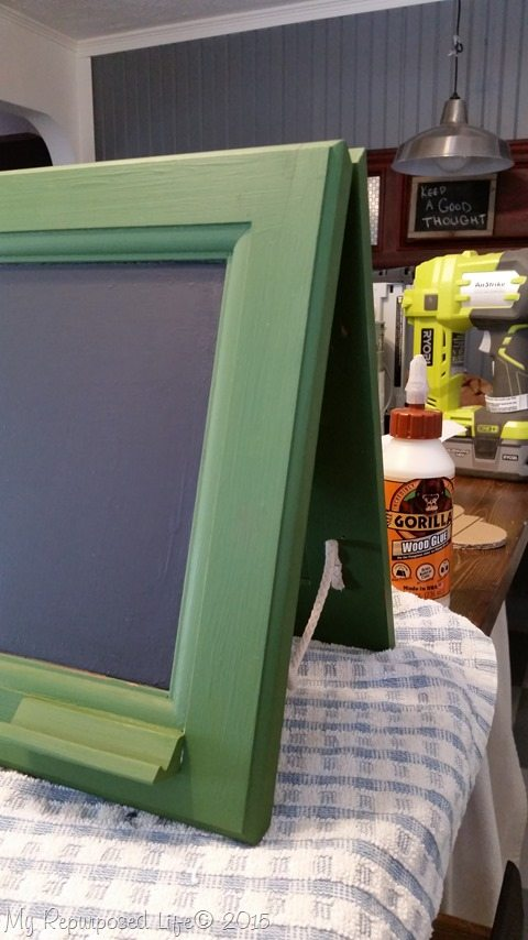 rope-small-chalkboard-easel