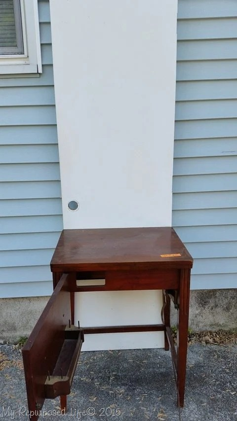 sewing-table-door