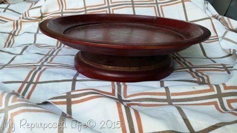 wooden-pedestal-plate-stand