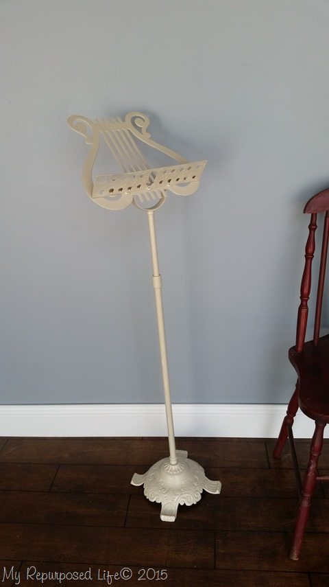 painted-vintage-music-stand