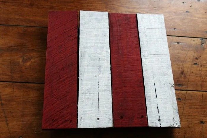 painted pallet boards