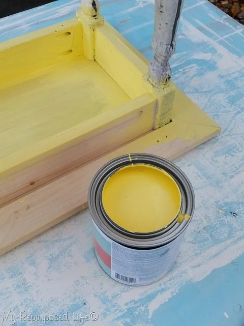 paint small table with Valspar chalk paint