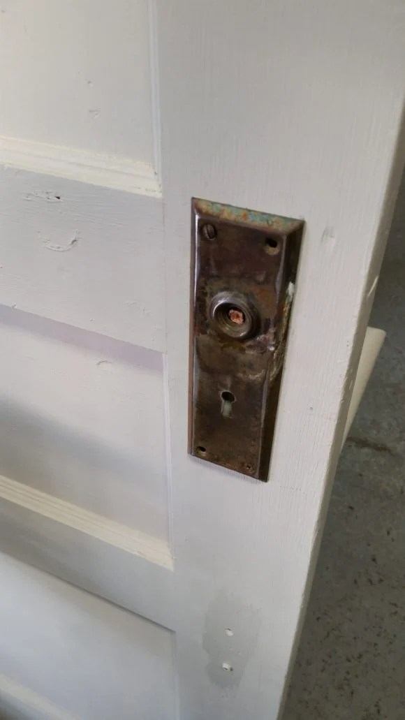attach door knob