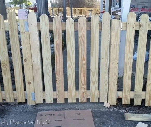 picket-fence-driveway-gate-2