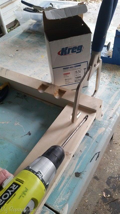 kreg jig pocket hole screws and clamp