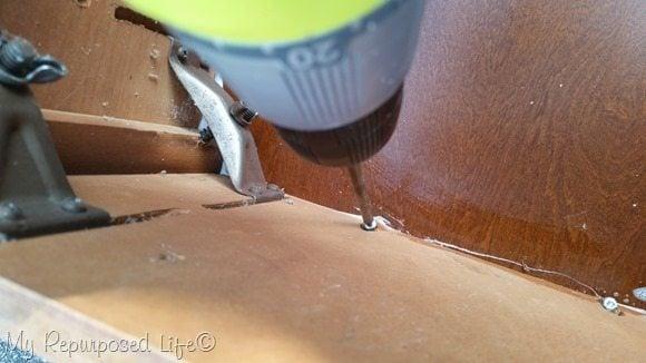 kreg screws attach sewing machine cabinet to lid