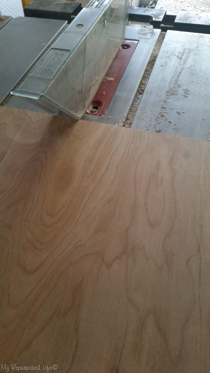 cut thin plywood to size on table saw