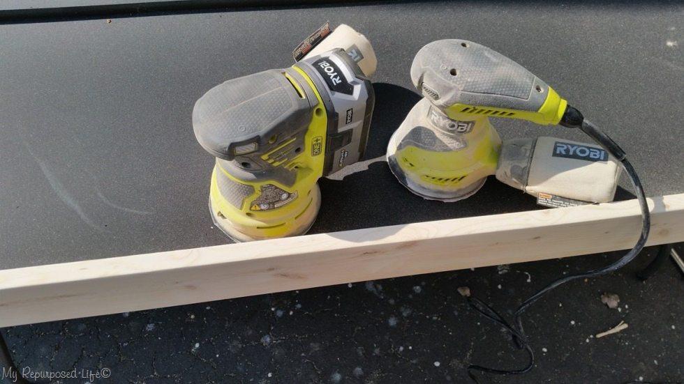 dualing sanders