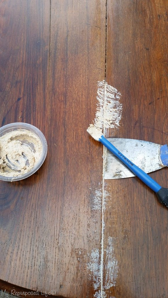wood glue and sawdust wood patch