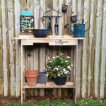 ONE Pallet Project | Easy Potting Table